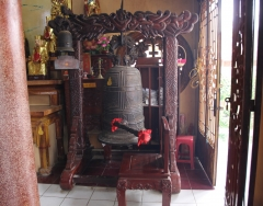 Temple bell, Tay Ninh